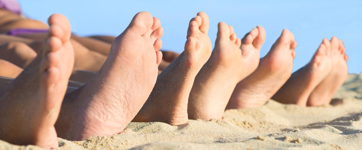 feet-beach-sand1